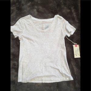 NWT GRAMICCI v-neck T-shirt